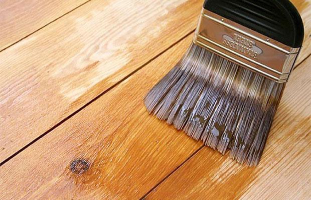 Для нанесения на деревянные основания используется алкидная грунтовка