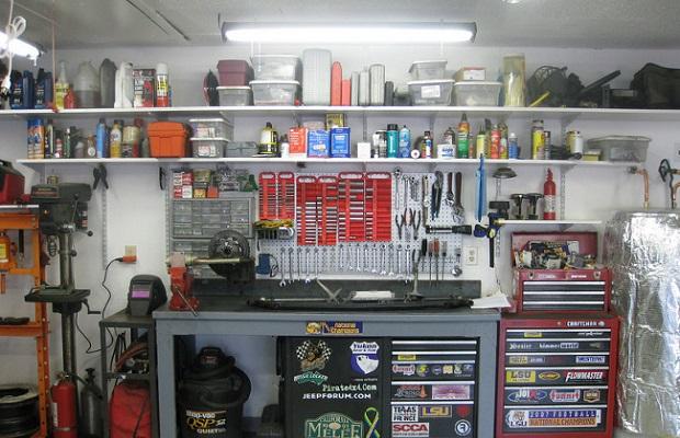 Полки для хранения в гараже