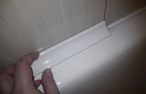 ПВХ-уголок в ванной
