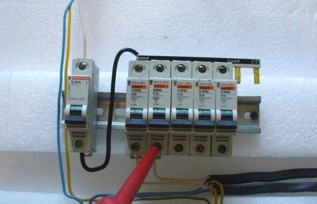 Процесс установки автоматических выключателейможет вызвать трудности