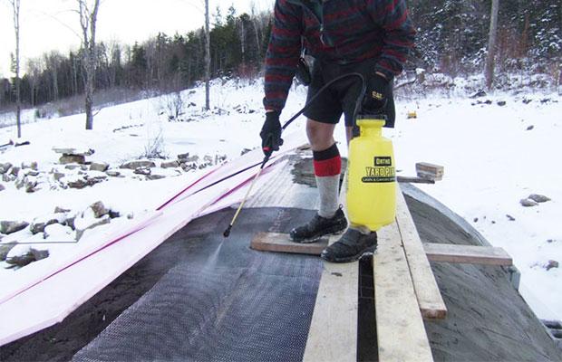 Существует специальное оборудование для ускорениязатвердевания бетона