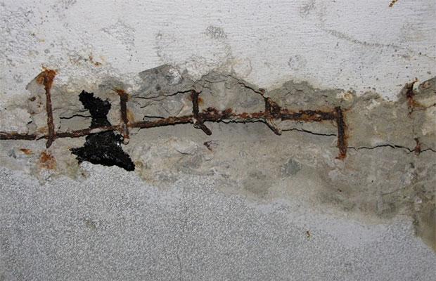 Дефекты в бетоне после применения стальной арматуры