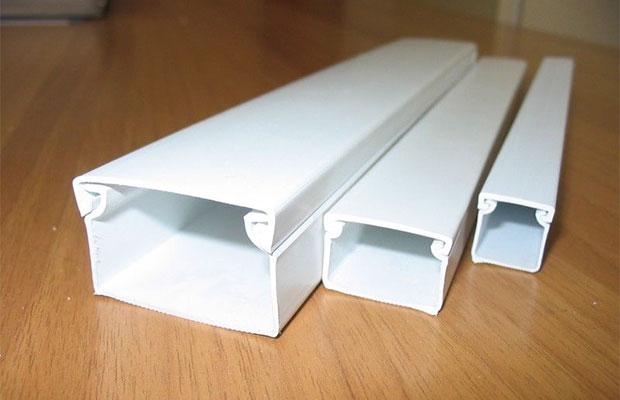 Наиболее распространенный вид кабельканалов - пластиковые