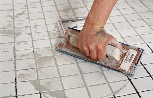 Наибольшую распространенность и ценовую доступность имеют затирки на цементной основе