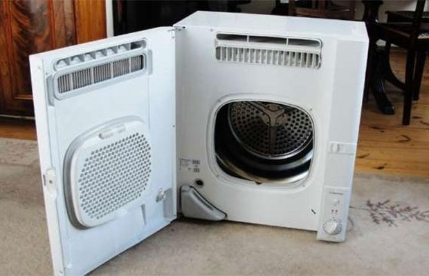 По принципу управления и внешнему виду сушилки похожи на привычные всем стиральные автоматические машинки
