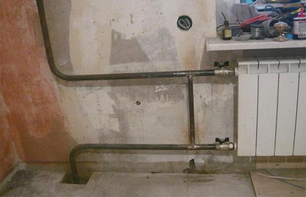 Металлические трубы делают из стали или меди, методом холодного или горячего проката.
