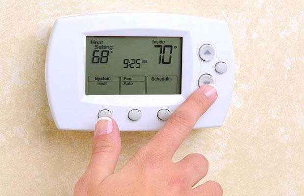 Программируемый термостат может поддерживать температуру в жилище на требуемом уровне