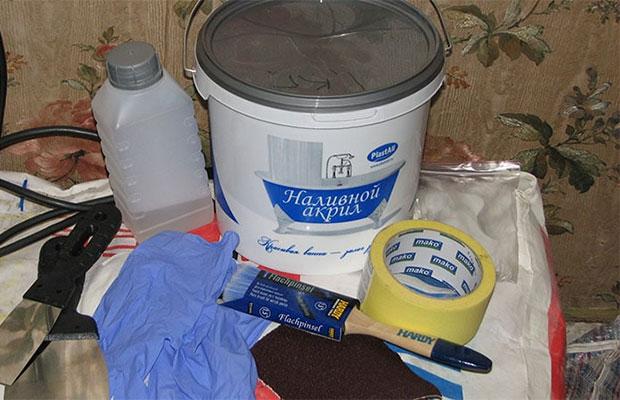 Для восстановления ванны чаще всего используется акриловая краска или эмаль