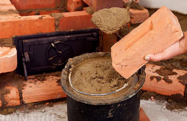 В качестве материала используются огнеупорные кирпичи
