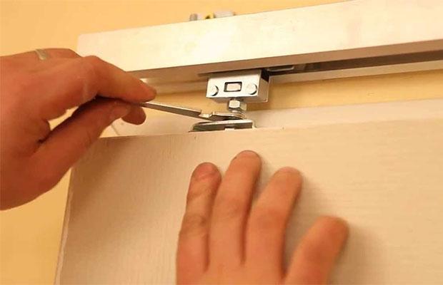 Механизм откатных дверей