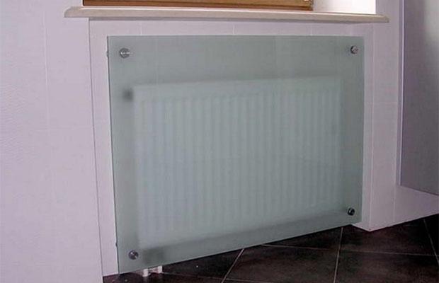 Экран с огнеупорным стеклом