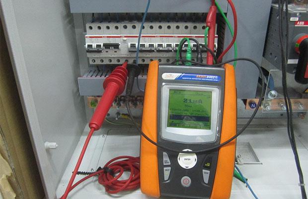 УЗО – что это такое и как оУстройство защитного отключения (УЗО) предназначено для защиты помещения от возгорания проводкино работает