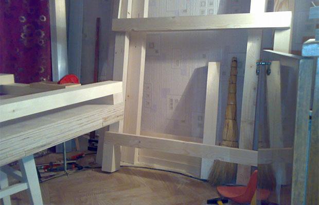 Перед постройкой верстака нужно собрать необходимые материалы и инструменты
