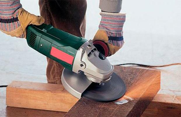 Болгарка предназначена для очистки и шлифовки различных поверхностей