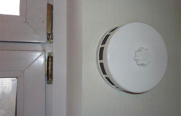 В домах, где стены утеплялись паронепроницаемым материалом, будут полезны приточные клапаны