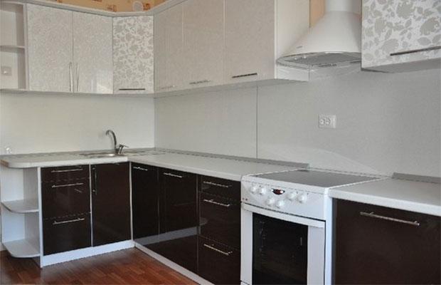 Кухонный фартук из панелей легко установить самостоятельно