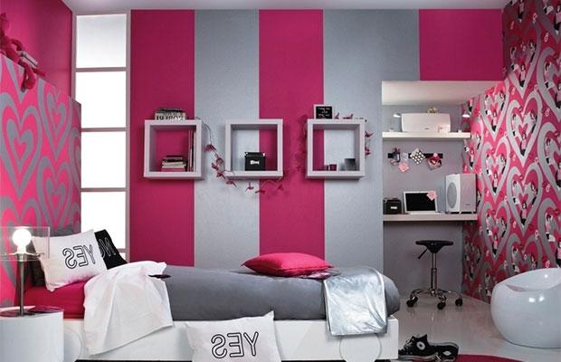 Комбинирование обоев разных цветов сделает помещение более ярким и интересным