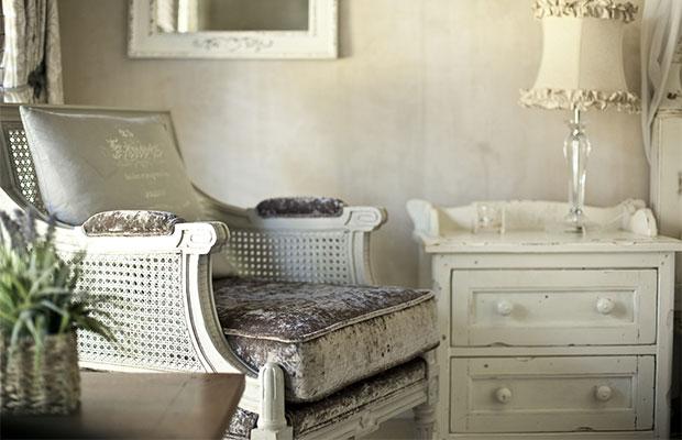 Стиль прованс характеризуется простотой и элегантностью, светлыми оттенками, отсутствием пестроты