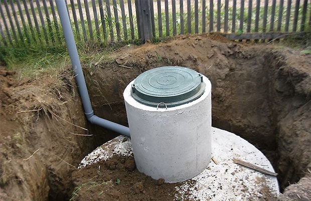 Лучше всего собирать водопровод из цельных отрезков полиэтиленовых труб
