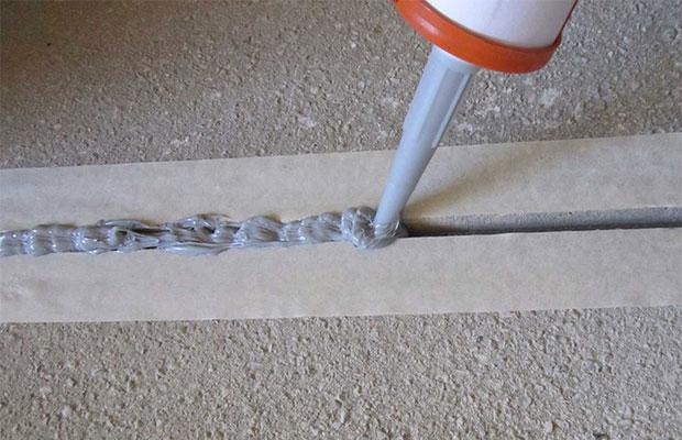 Для заделки стыков между бетонными поверхностями хорошо подойдет полиуретановый герметик