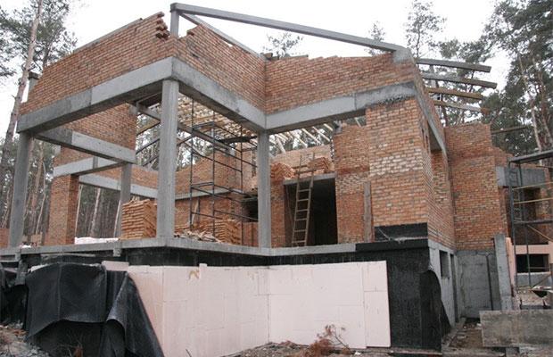Подсчитать заранее точную стоимость строительства практически невозможно