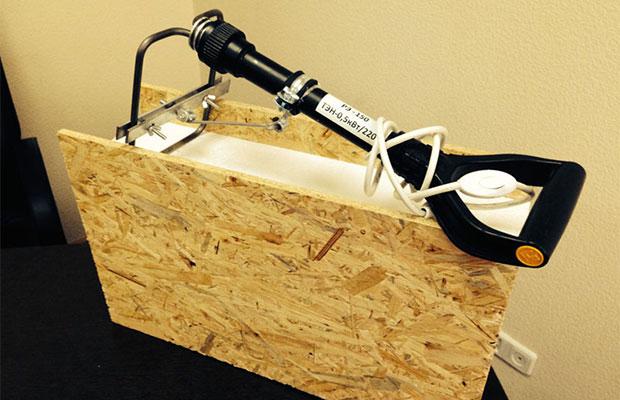 Для разрезания СИП панелейи плавления утеплителя потребуется терморезак