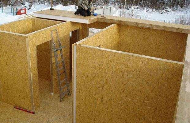 Первый этап строительства дома из СИП панелей - стены и внутренние перегородки