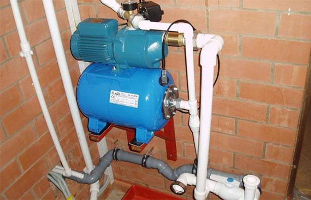 Гидроаккумулятор предназначен для поддержания в системе заданного давления создания некоторого запаса воды и предотвращения поломки электрооборудования
