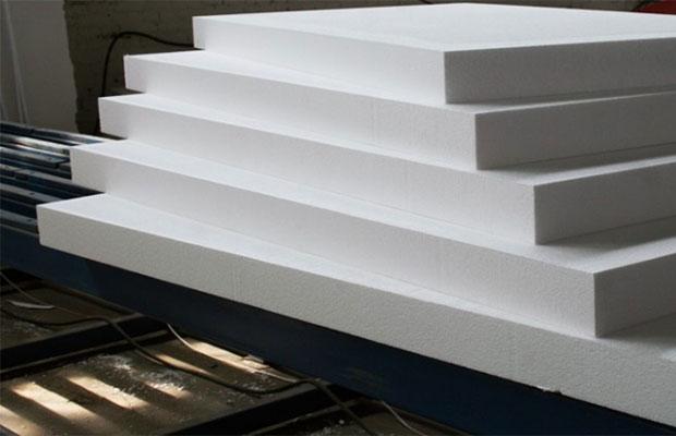 Пенопласт любой марки выпускают обычно в форме прямоугольных плит, независимо от технологии производства