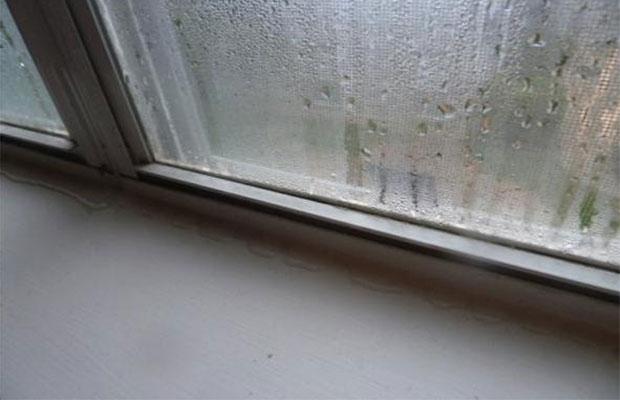 Зачем устранять конденсат на пластиковых окнах