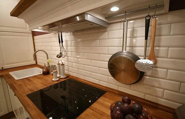 Плитка на кухне – фартук из кабанчика