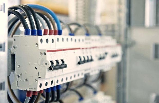 Трехфазные сети используются в помещениях с большой нагрузкой