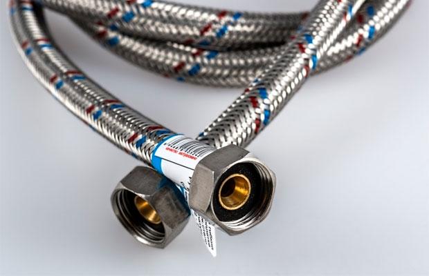 Шланги, маркированные красными и синими линиями - универсальные