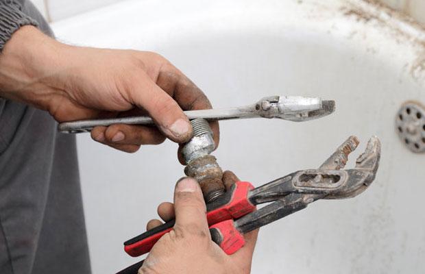 При ремонте или строительстве часто встает вопрос, какие трубы выбрать