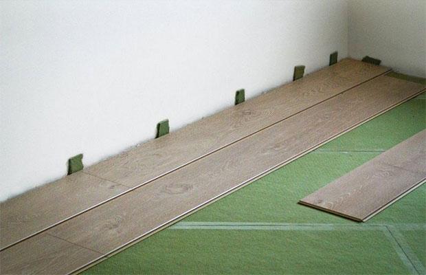 Правильно выбранная и установленная подложка способна продлить срок службы ламината