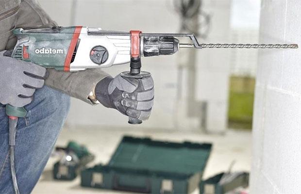 Современные модели имеют дополнительную рукоятку, которая делает работу удобнее