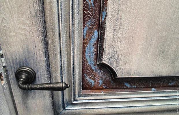 Отреставрированная деревянная дверь может стать роскошной деталью интерьера