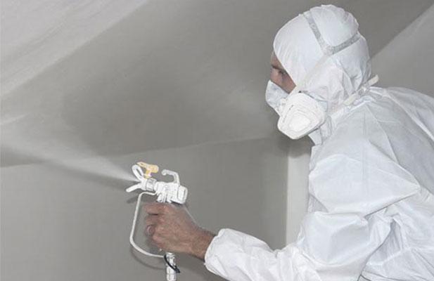 При работе с краскопультом необходимо соблюдать технику безопасности