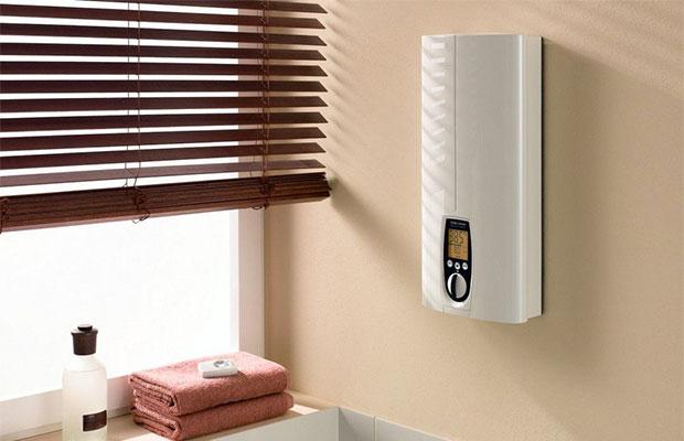 Электрический проточный нагреватель повышает температуру воды до нужной очень быстро
