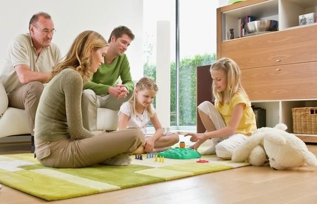 Одним из достоинств теплого пола является гарантированная подача тепла на нужные участки комнаты