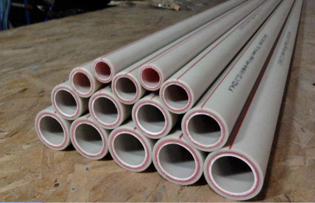К достоинствам полипропиленовых труб относятся отличные шумоизоляционные и теплоизолирующие показатели