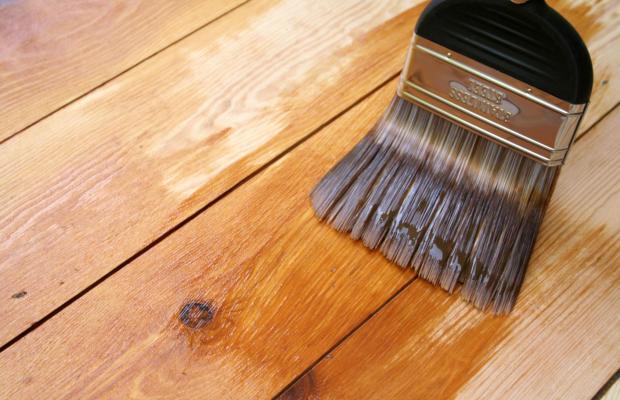 Прозрачные ЛКМ подчеркивают натуральность древесной структуры