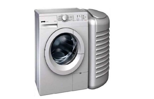 Для частных домов существуют специальные модели стиральных машинок с баком, в котором и установлена напорная группа