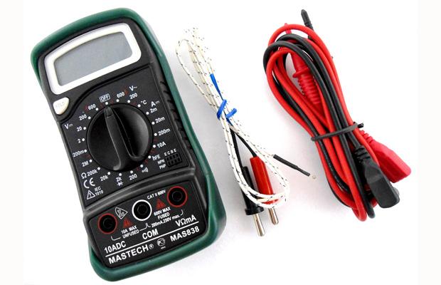 Мультиметр используется для определения напряжения, если провода перепутаны