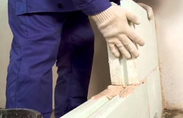 Одно из преимуществ гипсолитовых плит заключается в простоте их монтажа