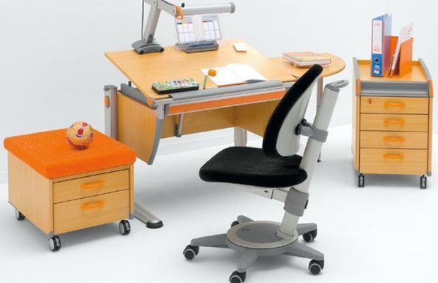 Ключевой элемент комнаты – хороший удобный стол