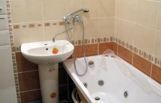 Смеситель должен быть установлен не более чем в 20 см от бортика ванной