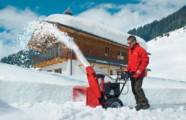 Стоимость и особенности снегоуборочной машины зависят от фирмы-производителя