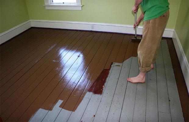 Наносить краску следует тонким равномерным слоем