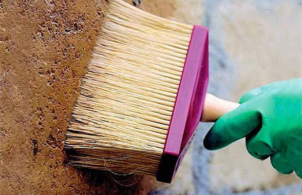 Грунтовка повышает способность сцепления краски с поверхностью